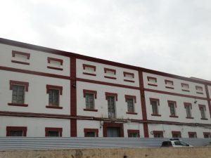 Fachada del cuartel del Puerto de Mazarrón. / PAULA RUBIO