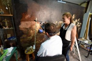 01-09-17 Alfonso Duran Restauracion cuadros Palacio Guevara de Lorca en talleres Asoarte TFGP.